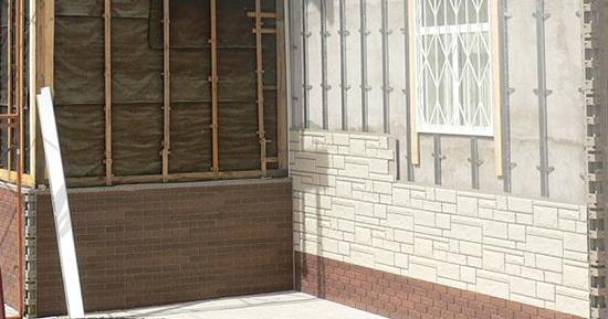 Цокольные панели под кирпич: долговечный и бюджетный материал, стойкий к погодным условиям