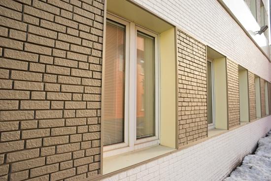 Современные материалы в отделке фасада под кирпич