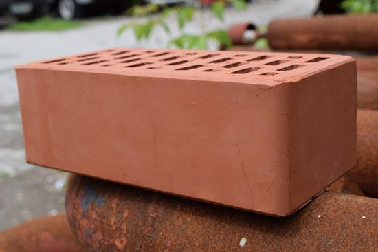 Кирпич полуторный облицовочный – презентабельный внешний вид и высокое качество