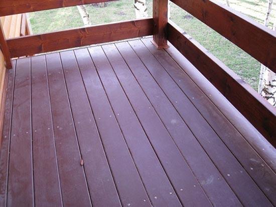 Чем покрасить пол на открытой террасе на даче