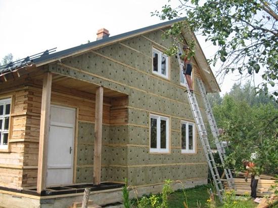 Виды утеплителей для дома из дерева и способы монтажа