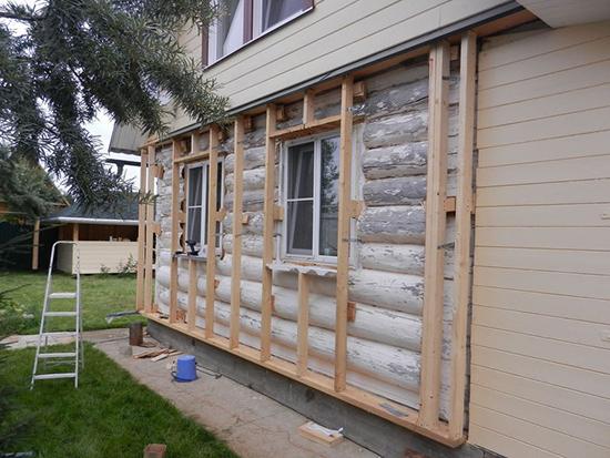 Особенности обшивки фасада деревянного дома сайдингом