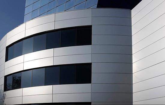 Преимущества и недостатки композитных алюминиевых панелей