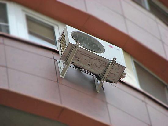 Как правильно установить кондиционер в вентилируемый фасад