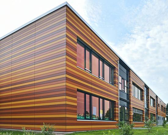 Пластиковые вентилируемые фасады: плюсы, правила монтажа и разновидности