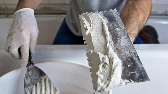 Особенности применения цементной шпатлевки для наружных работ