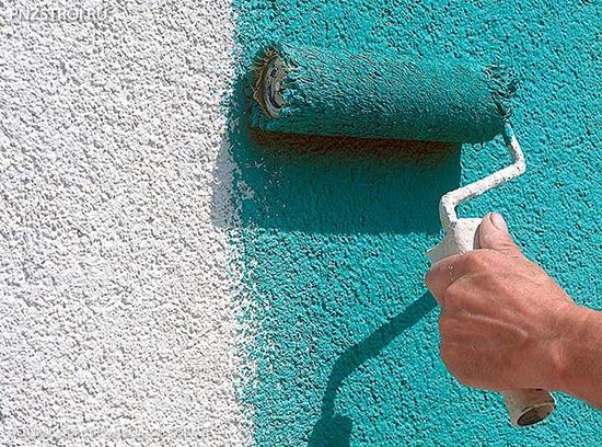 Какую краску выбрать для штукатурки снаружи дома