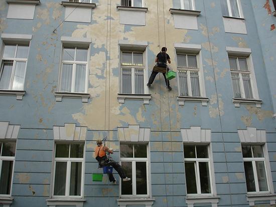 Технология и стоимость ремонта штукатурки на фасадах