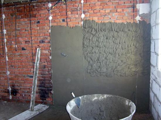 Применение цементно-известковой штукатурки для фасадов
