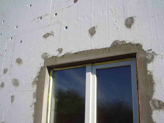 Особенности штукатурки наружных откосов на фасаде